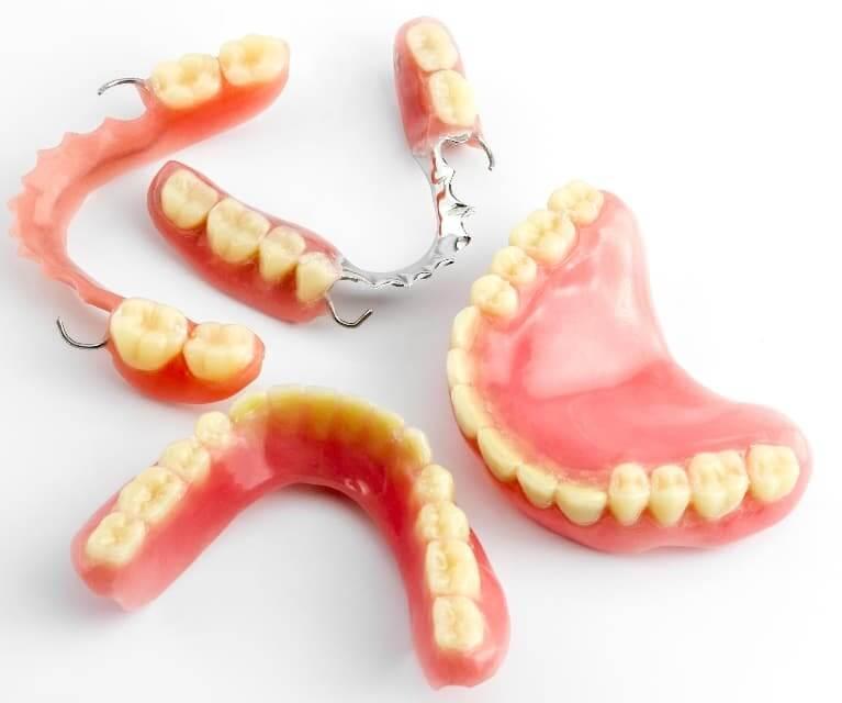 Fiksne i mobilne zubne proteze